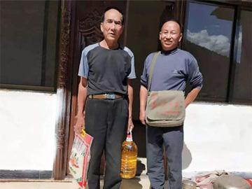 武定县彝族干部李兴富倒在扶贫路上