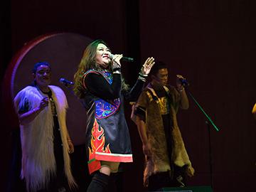 彝族歌手阿朵故烈:将无量山神曲Monkey演唱会在北京国图艺术中心唱响