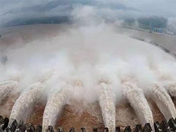 时代洪流骤急,彝民族该何去何从?