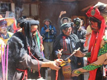 每年农历正月初八祥云县的彝族哑巴节
