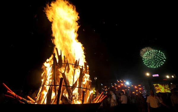 Yi ethnic group celebrates Torch Festival