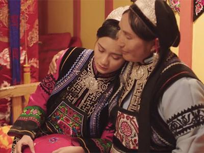 推荐|彝族服饰文化微电影《迷绣》