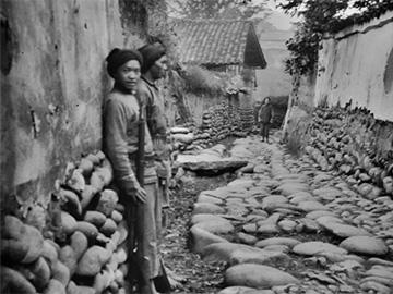 清末民初老照片:德国外交官拍摄的凉山彝区