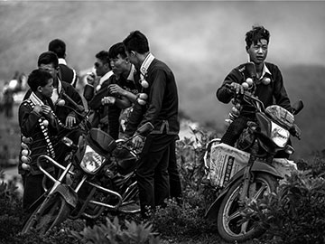Photographers capture daily life of mountainous Yi people