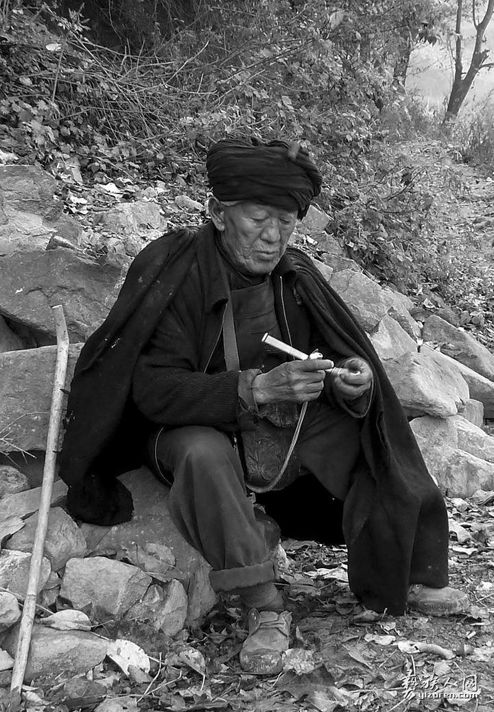 村里的老人