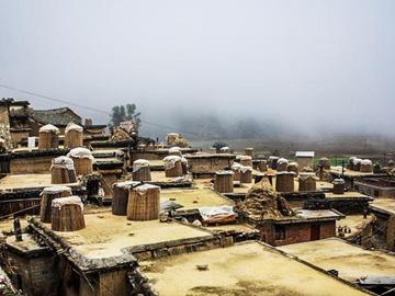 彝族布达拉宫 云南秘境城子古村