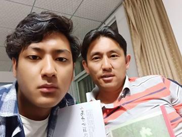 """""""人的差别只在于'境界'的不同""""——访彝族青年诗人、评论家沙辉"""