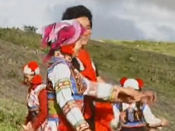 彝族的烟俗文化与村落变迁