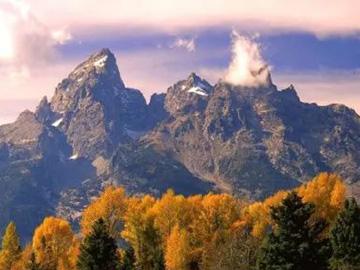 像山有灵伟岸  如风诗意自在