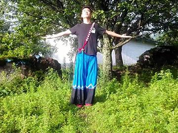 """来自大凉山的彝族工匠:读书改变了我的命运 家乡生活已经""""小康"""""""