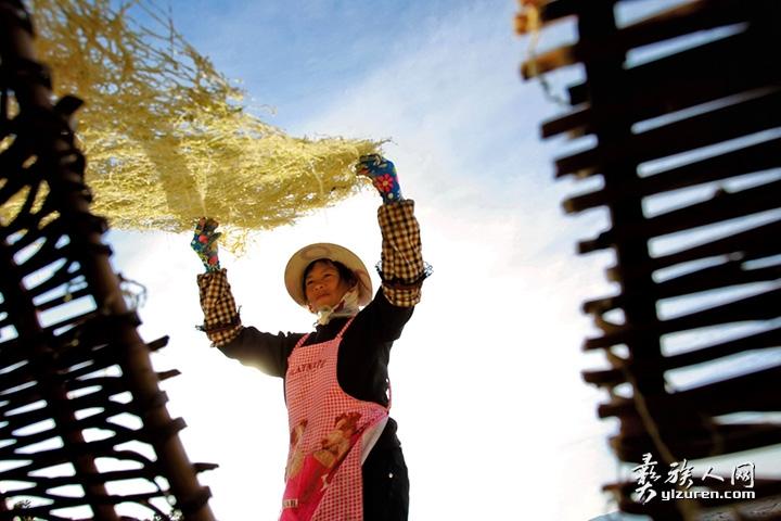 2015年 2月4日。云南省峨山县小雨来救村。