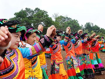 甘洛觉铁村:留住了乡愁民俗文化浓