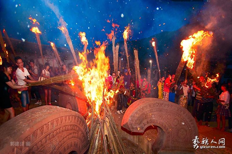 火把节是哪个民族的节日:我国西南地区少数民族的节日
