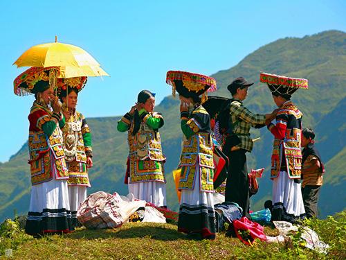 历时30年,摄影家郭建良用心记录的凉山彝族火把节作品集(五):节日盛装