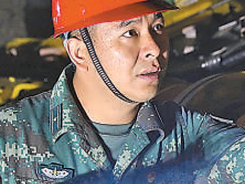 """最美新时代革命军人丨沙子呷:一心向党的""""阵地铁人"""""""
