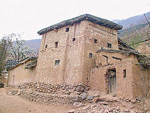 彝族碉楼:正在逝去的历史记忆