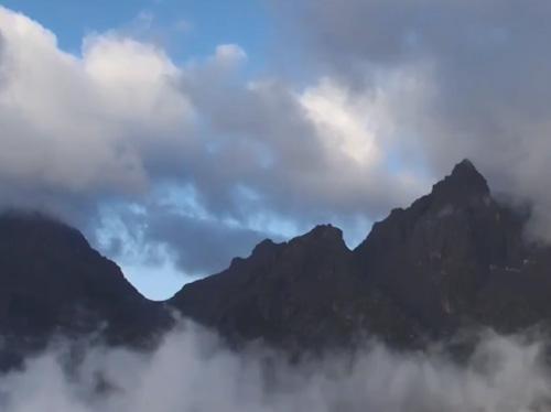 《走进越西》:走进大凉山深入的越西县