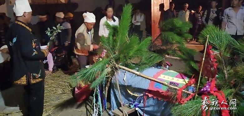 罗婺彝族祭祀中的《献药经》仪式