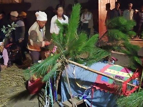 罗婺彝族祭祀中的《献药经》全文