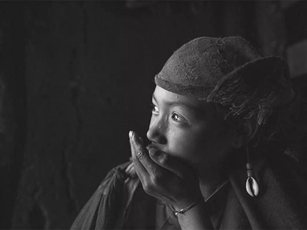 罗明:《彝风》摄影作品集赏析