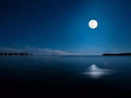 阿凡:中秋望月