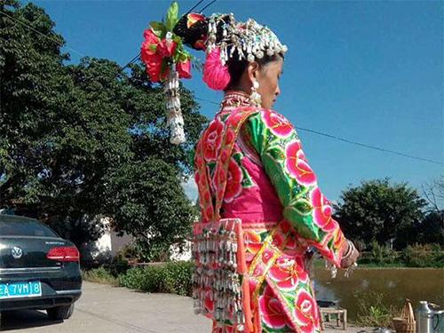 弥渡彝族服饰:凝固的历史