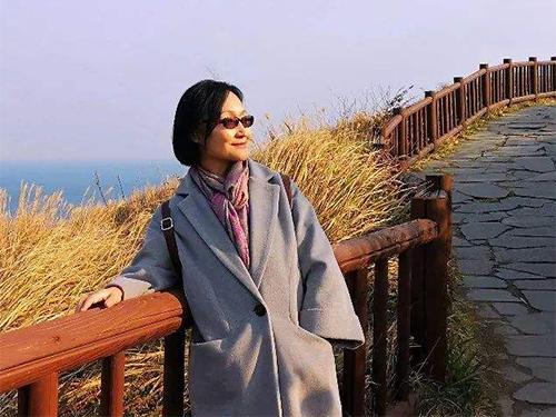央视国际:巴莫曲布嫫火把节访谈