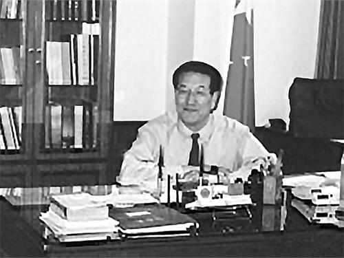 伍精华:峨边彝族自治县、西昌市西溪村股份制脱贫致富的调查研究报告