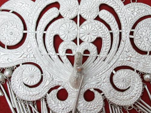 杨蓓:彝族银器饰品文化中的生活哲学研究