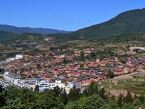 璀璨的罗婺彝族特色村——发窝左中梁子