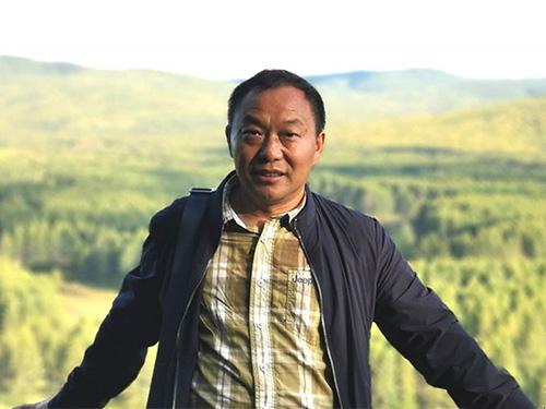 吕翼新作《逃亡的䝚貀》:彝族文化视域下的抗疫叙事