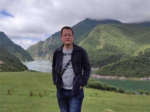 罗伟章:走进大凉山,在汉彝之间建起互容理解的桥梁