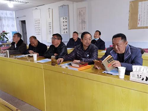 禄劝法院会同县彝学会举行法院标牌标识彝语翻译工作会