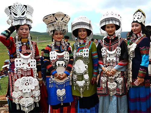 昭觉县彝族服饰文化发展变化及产业化对策研究