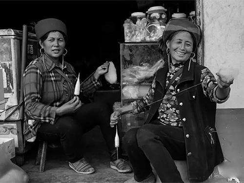 沙马加甲:当下凉山彝族地区应改变的几个问题