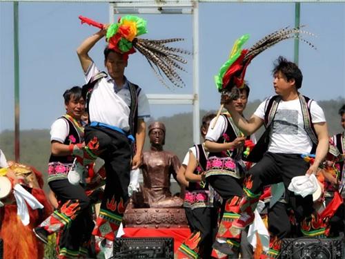 从斗舞到竞赛:彝族花鼓舞竞技传承论