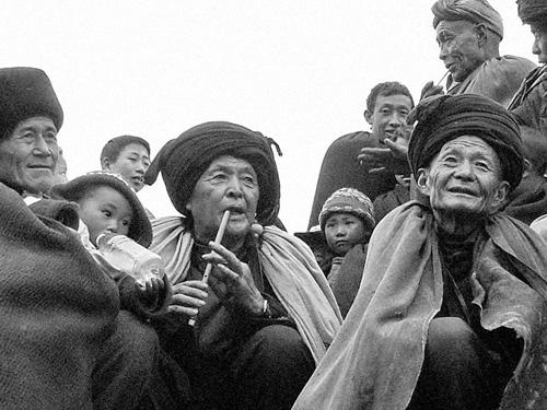 家支在当前凉山彝族乡村治理中的功能研究——基于社会资本理论的分析视角