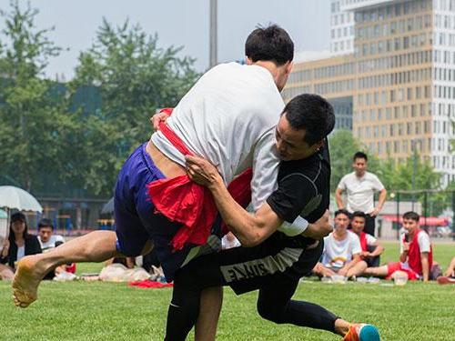 民族民间体育的性别教育:以彝族摔跤为例