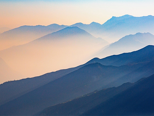 鲁子元布:大凉山,或信仰的光芒(附:沙辉赏析)