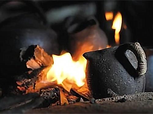 乌撒烤茶:3000多年历史的彝族茶文化