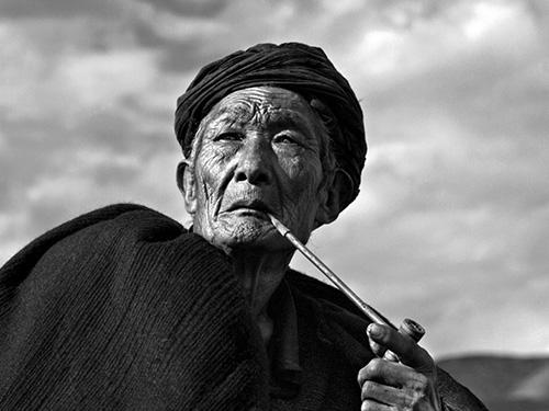 彝族.父亲:李泛丝路影像系列