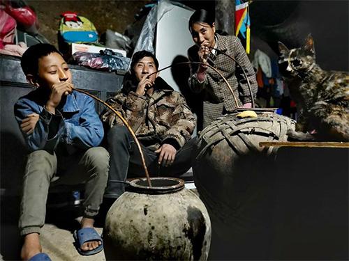 彝族酒歌与和谐社会间的关系