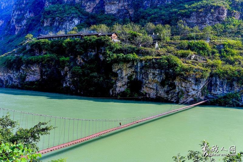 大渡河吊桥  (李新瑜 摄)