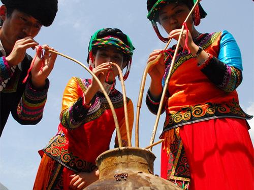 非遗名录:酿造酒传统酿造技艺(彝族杆杆酒酿造技艺)(省级 凉山)