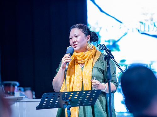 自然音乐与生物多样性保护:彝族青年歌唱家阿朵故烈用音乐呼吁环保与生态文明