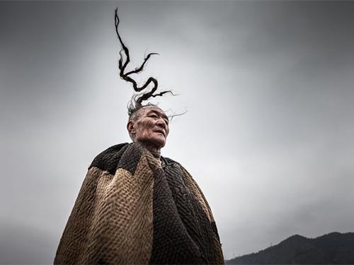 """凉山彝族""""天菩萨""""的传统和风俗"""
