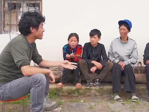 日本导演十年后再次访问大凉山,感受中国的新时代