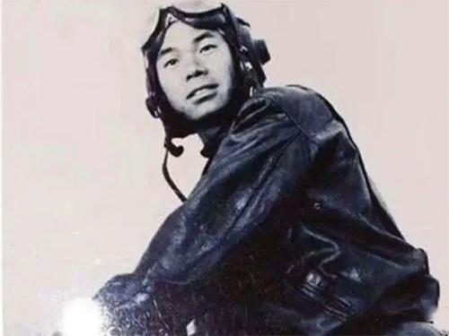 我国投掷第一颗实战氢弹的英雄彝族飞行员杨国祥