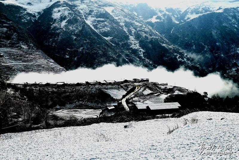 镇西村的冬天(哈土 摄)