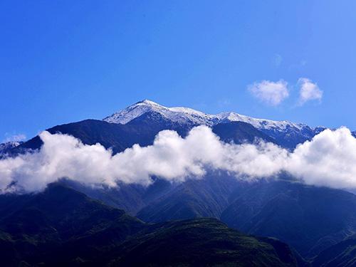 养育甘洛的神山——木牛哄山